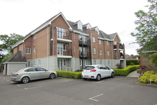 Thumbnail Flat to rent in Wildern Lane, Hedge End, Southampton