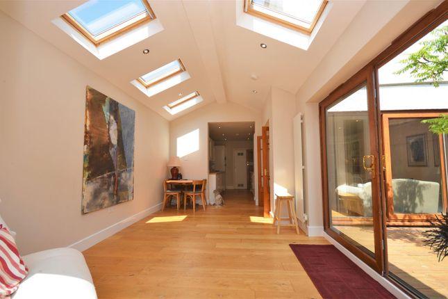 Family Room of Vale Road, Aylesbury HP20