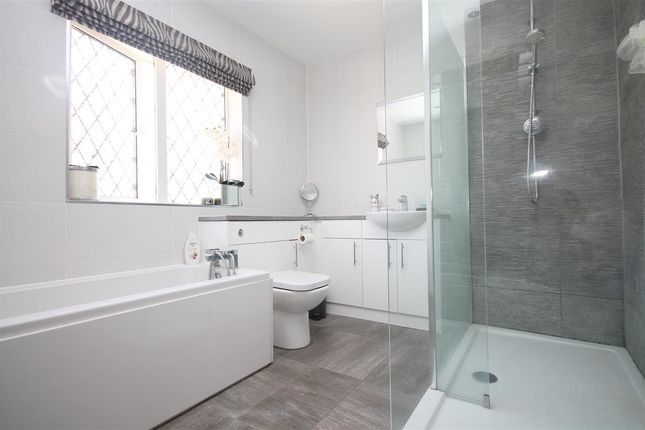 Family Bathroom of Highview Avenue, Clacton-On-Sea CO15