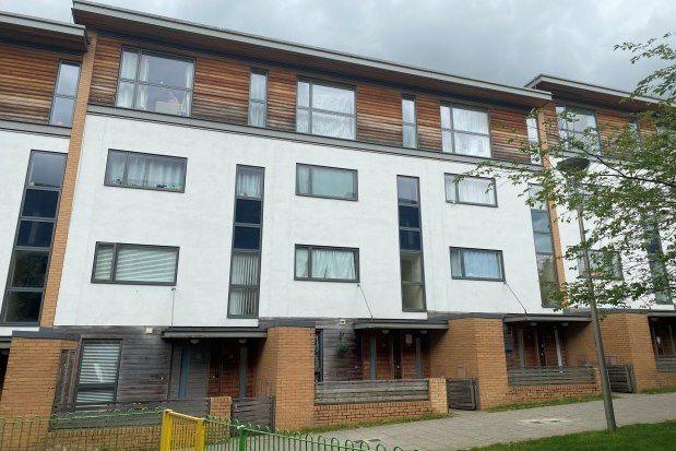 2 bed property to rent in Petersfield Green, Milton Keynes MK9