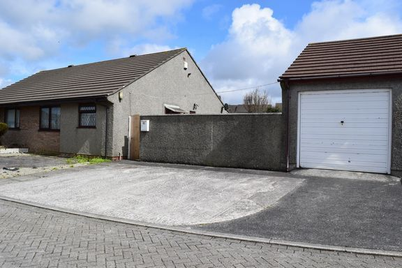 Thumbnail Semi-detached bungalow for sale in Killiersfield, Pool, Redruth