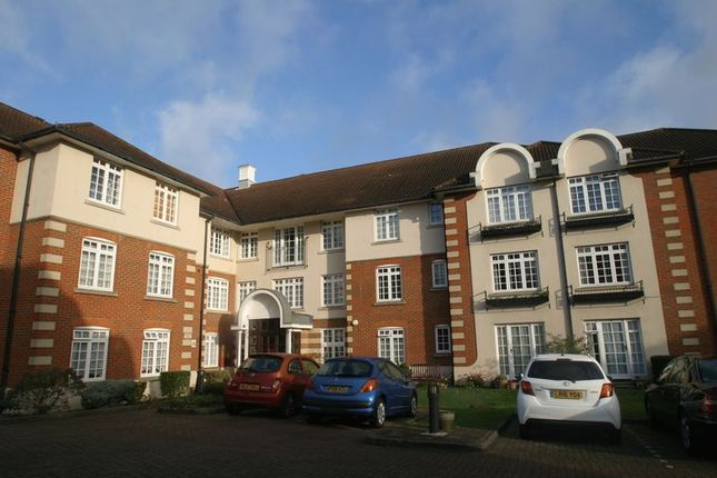 Thumbnail Property for sale in Crothall Close, London