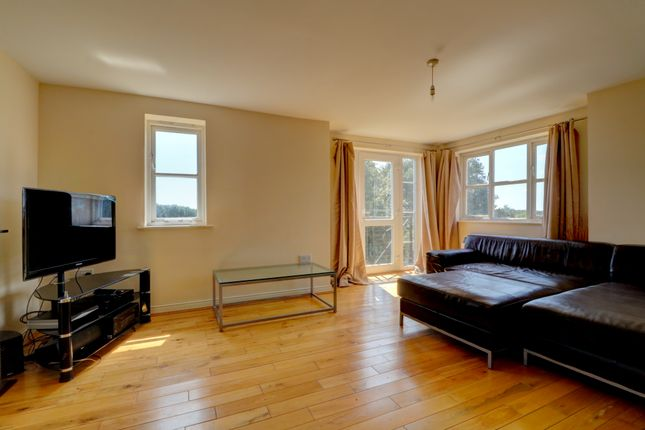 Thumbnail Flat for sale in Riverbank Way, Ashford
