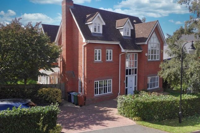 Thumbnail Detached house for sale in Freshwater Drive, Wychwood Park, Cheshire