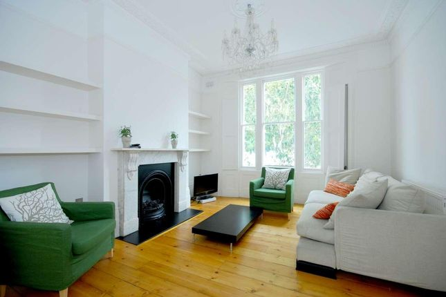 Thumbnail Flat to rent in Wallace Road, London