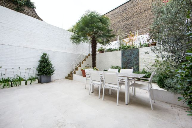 Thumbnail Flat to rent in Penywern Road, London
