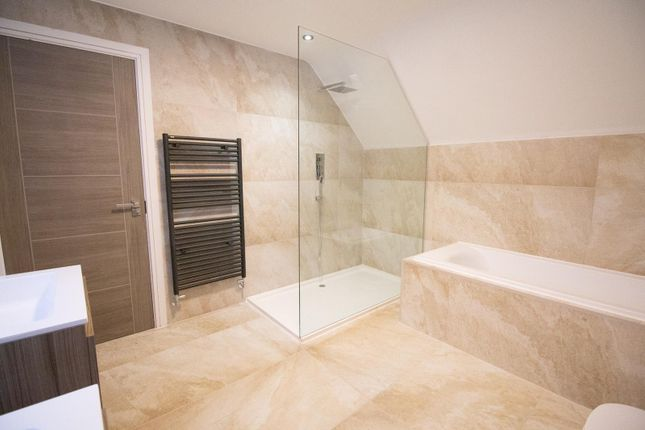 Master Suite of Mere View, Astbury Mere, Congleton, Cheshire CW12