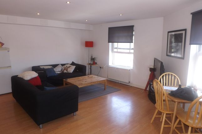 Thumbnail Flat to rent in Pelham Road, Southsea