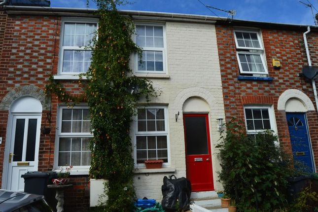 Thumbnail Terraced house to rent in Albert Street, Cowes