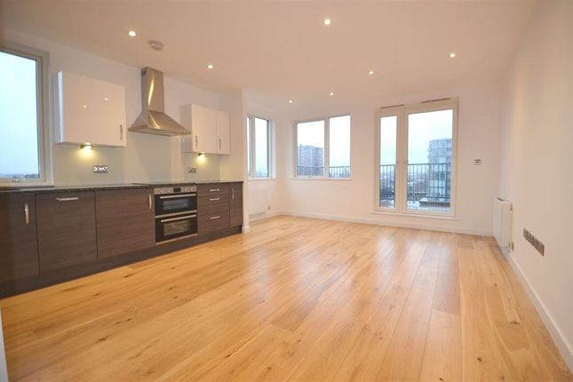 Thumbnail Flat to rent in Union House, Hayes