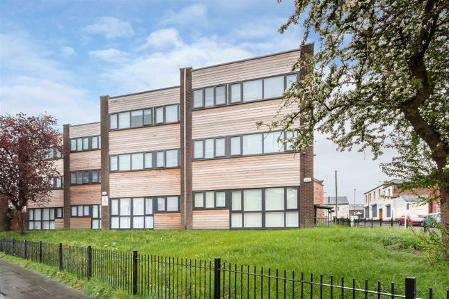 Thumbnail Flat to rent in Ashley Court, Hall Street, Manchester