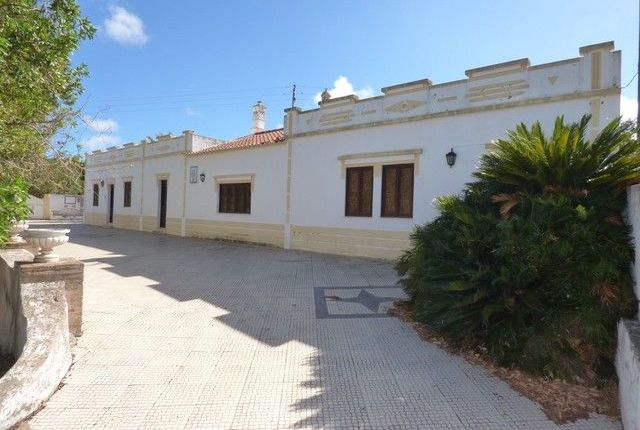 Thumbnail Farmhouse for sale in Silves, Algarve, Portugal