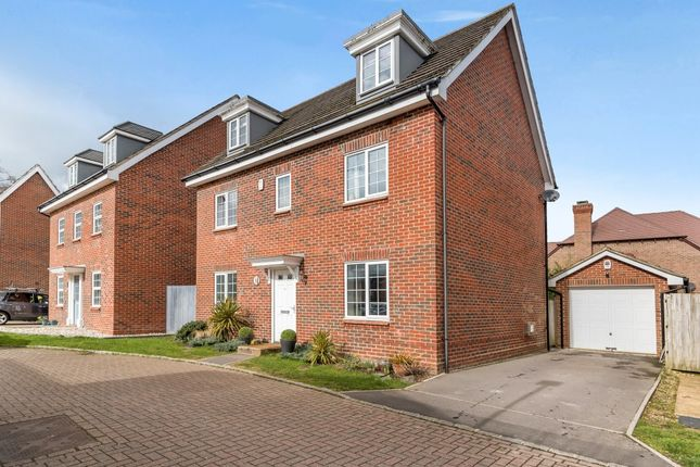 Thumbnail Detached house for sale in Bryant Crescent, Spencers Wood, Reading