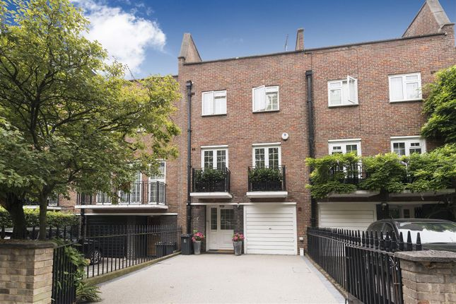 Thumbnail Terraced house for sale in Blomfield Road, London