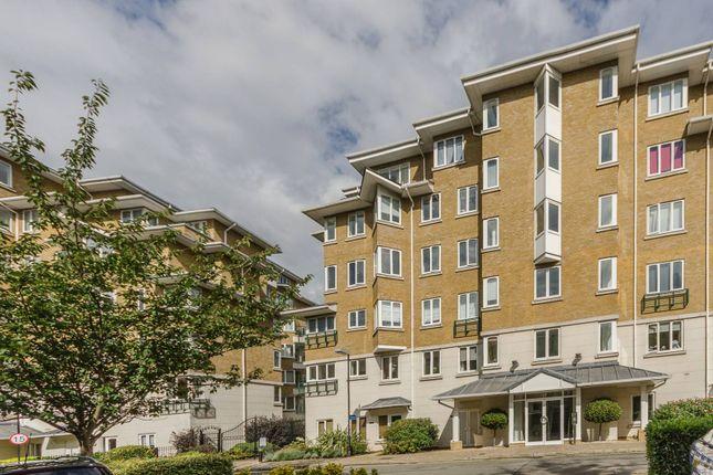 Thumbnail Flat to rent in Strand Drive, Kew, Kew