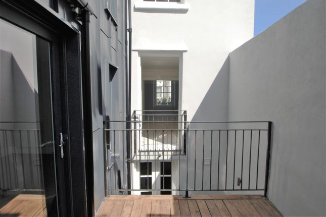 Balcony of Athenaeum Street, Plymouth PL1