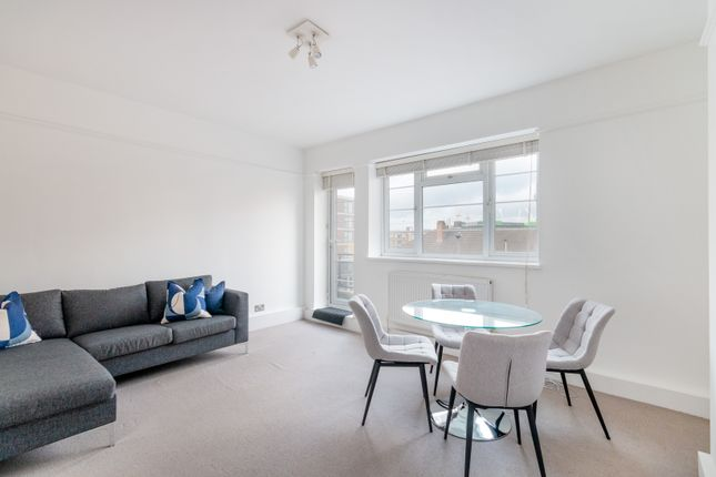 3 bed flat to rent in Wandsworth Road, Vauxhall SW8