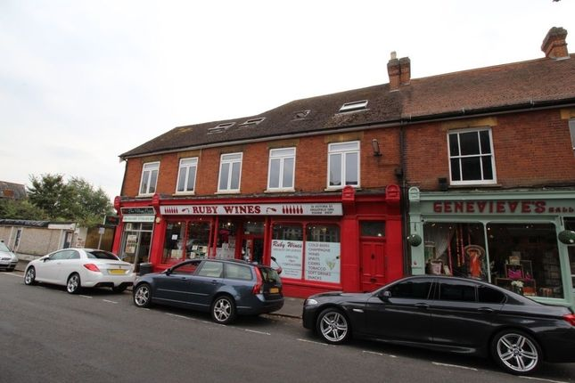 1 bed flat to rent in Victoria Street, Englefield Green, Egham