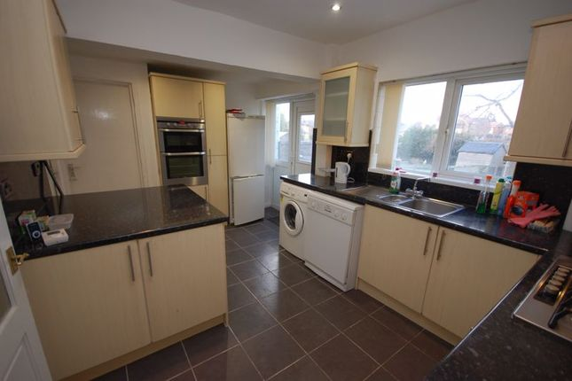 5 bed semi-detached house to rent in Whitecroft Road, West Moor, Newcastle Upon Tyne NE12