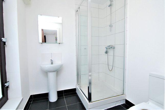 Picture No. 04 of Camborne Terrace, Camborne Avenue, Harold Hill, Romford RM3