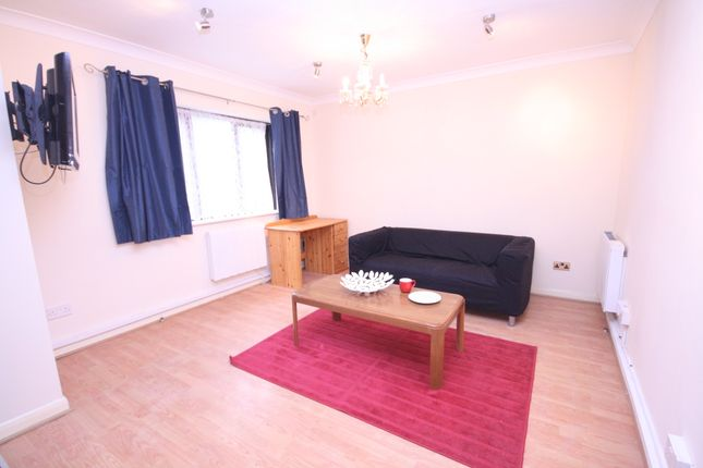 Thumbnail Studio to rent in Rosecroft Court, The Avenue, Northwood