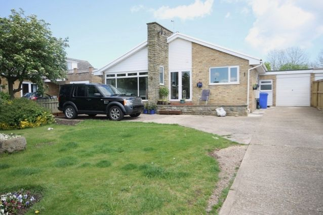 3 bed detached bungalow for sale in Manor Gardens, Hunmanby, Filey