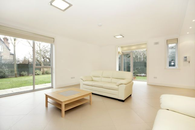 Thumbnail Property to rent in Amherst Road, London