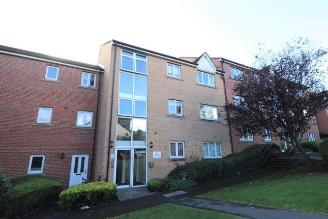 2 bed flat to rent in Fieldmoor Lodge, Pudsey LS28