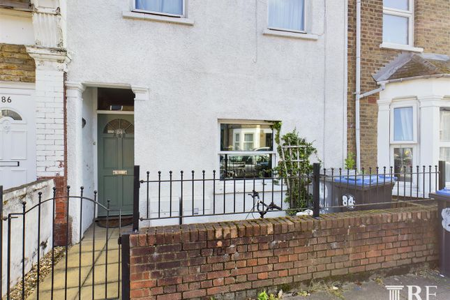 2 bed flat for sale in Cobbold Road, London NW10