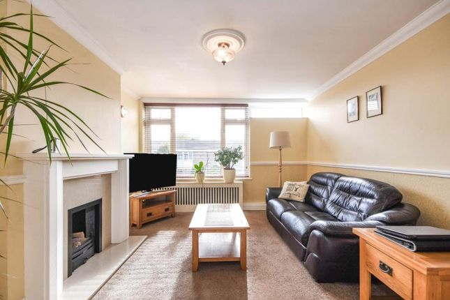 1 bed flat for sale in Laindon, Basildon, Essex SS15