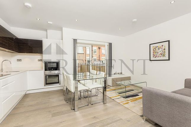 2 bed flat to rent in Wakefield Road, Richmond TW10