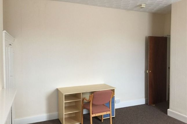 Thumbnail Property to rent in Alexandra Road, Bedford