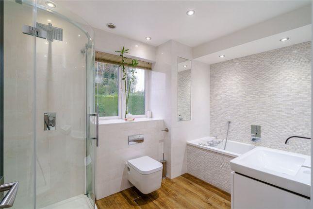 En Suite of Lower Plantation, Loudwater, Rickmansworth, Hertfordshire WD3