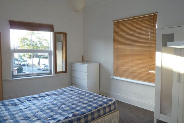 Thumbnail Property to rent in Fern Dale, Lambert Street, Hull