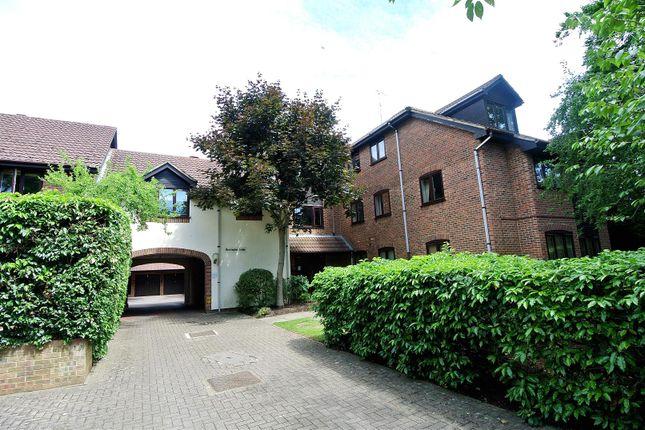Thumbnail Flat for sale in Princes Road, Weybridge