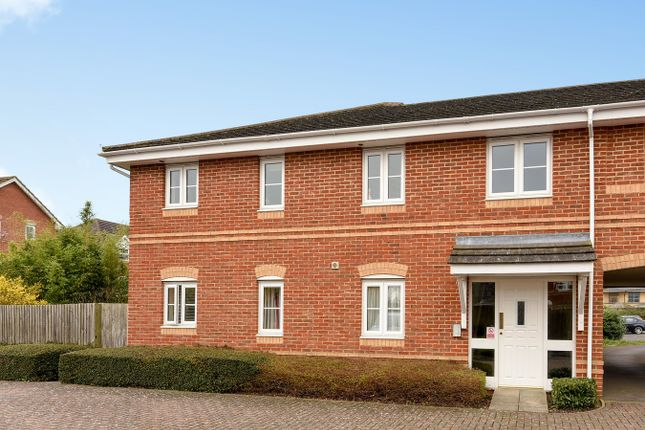 Thumbnail Flat for sale in Broadmere Road, Beggarwood, Basingstoke