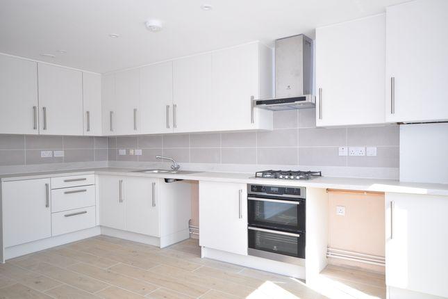Thumbnail Maisonette to rent in London Road, Larkfield, Aylesford