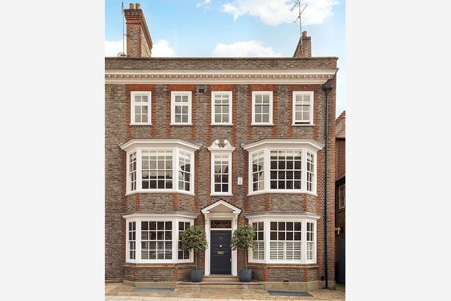 Thumbnail Terraced house for sale in Mulberry Walk, Chelsea