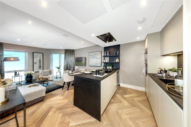 Thumbnail Flat for sale in London Square, New Kings Road, Parsons Green