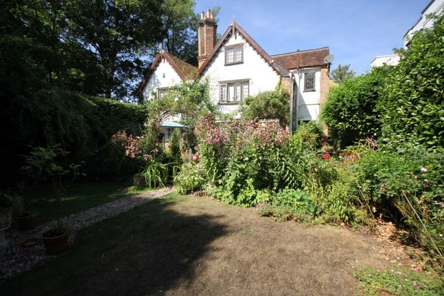 Thumbnail Property for sale in Bury Hill, Hemel Hempstead