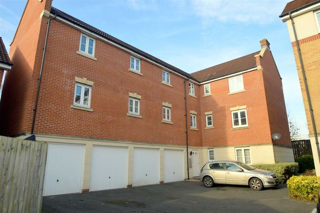 2 bed flat for sale in Dickinsons Fields, Bedminster, Bristol