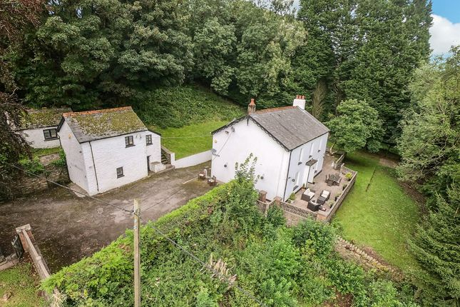 Thumbnail Cottage for sale in Mynachdy Road, Ynysybwl, Pontypridd