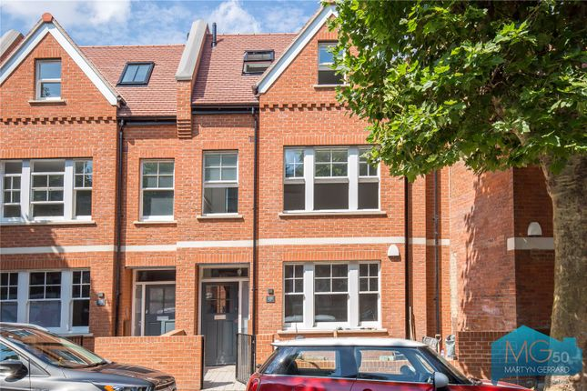 Thumbnail Terraced house for sale in Fortis Green Avenue, London