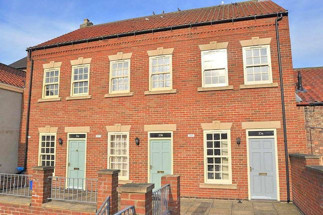 Thumbnail Terraced house to rent in Market Place, Thirsk