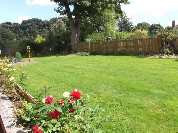 4 bed bungalow for sale in St. James View, Louth