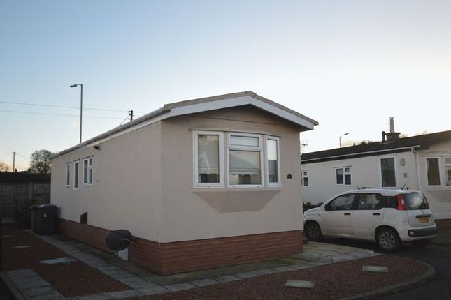 Thumbnail Mobile/park home for sale in Merevale, Breton Park, Telford