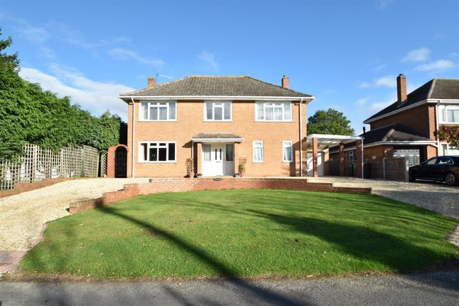 Thumbnail Detached house for sale in Drury Lane, Martin Hussingtree, Worcester