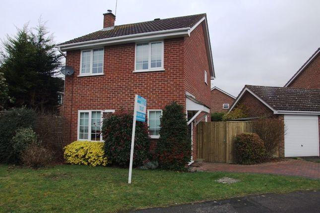 Detached house in  Ravensbourne Drive  Woodley  Reading  Reading