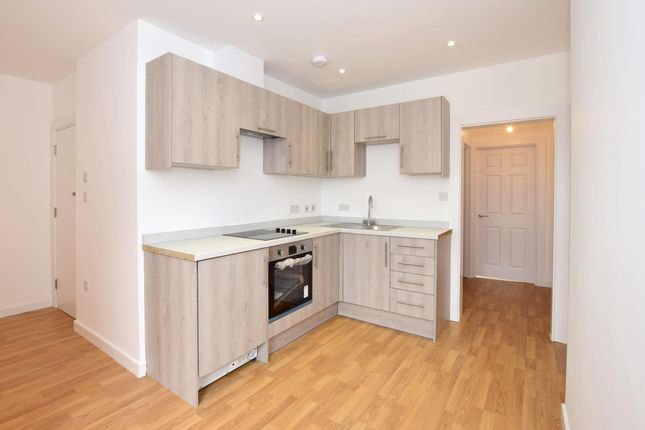 Thumbnail Flat to rent in Farningham Road, Crowborough