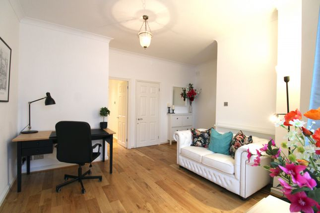 Thumbnail Flat to rent in St. Dunstans Road, London